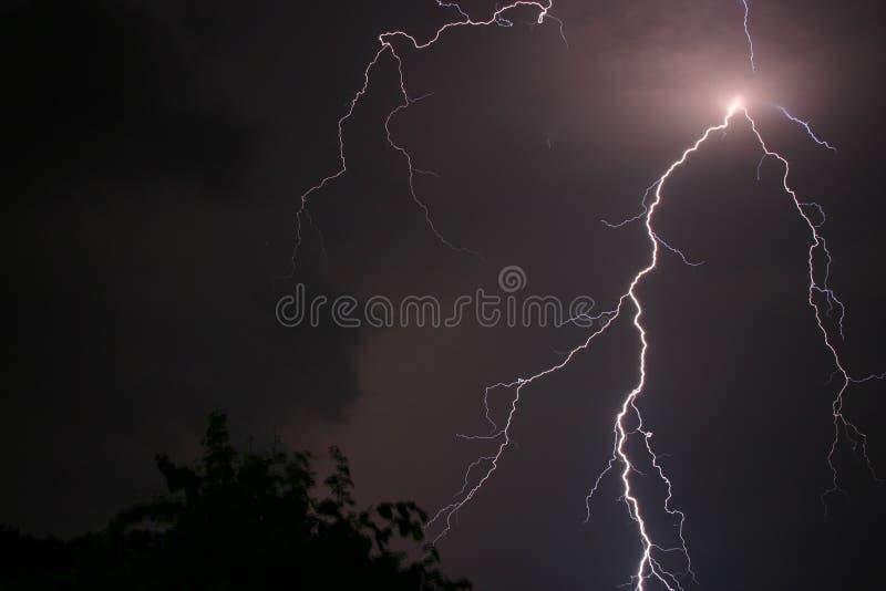 Sturm und Blitz stockbild