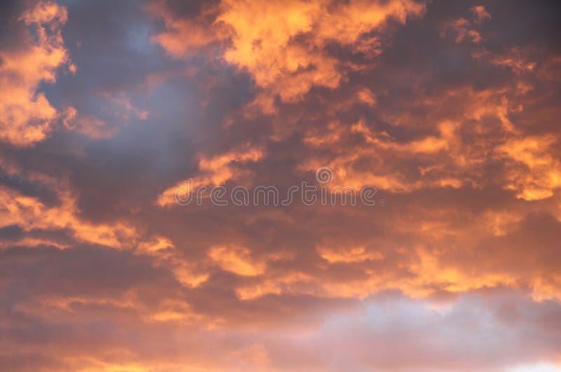 Sturm-Wolken lizenzfreie stockfotos