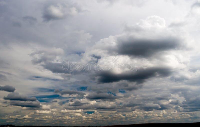 Sturmhimmel lizenzfreie stockfotografie