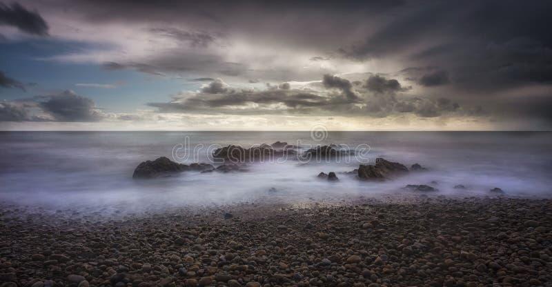 Sturmwetter über der Bucht von Bracelet stockfotografie