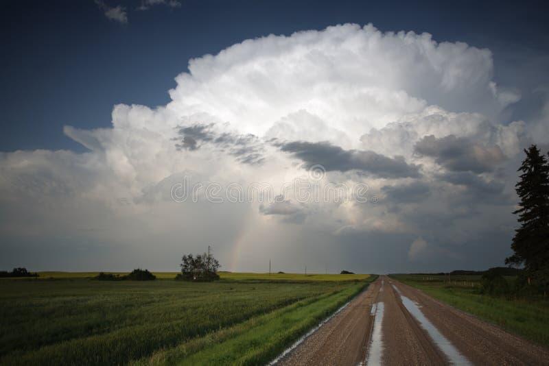 Sturmwolken über Saskatchewan lizenzfreies stockfoto