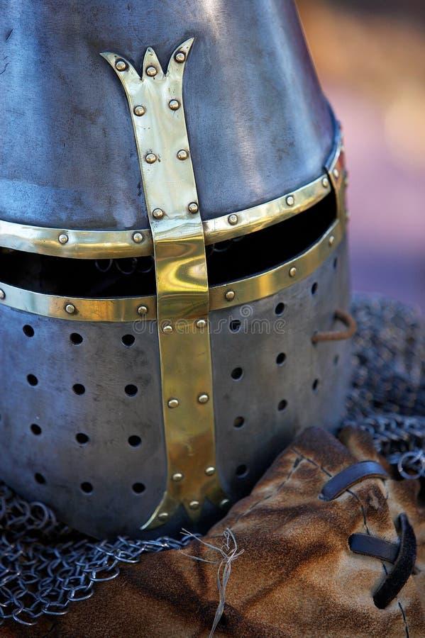 Sturzhelm eines Ritters stockbilder