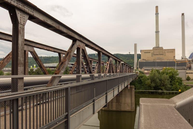 STUTTGART, ALEMANIA - SEPTIEMBRE 04,2016: Esta central eléctrica de ENBW está en Gaisburg foto de archivo