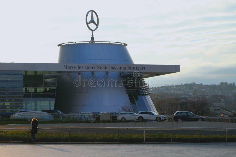 Stuttgart, Baden-Wurttemberg, Deutschland - Jan. 06,2018: Automobilmuseum der Marke Mercedes-Benz stockfotos