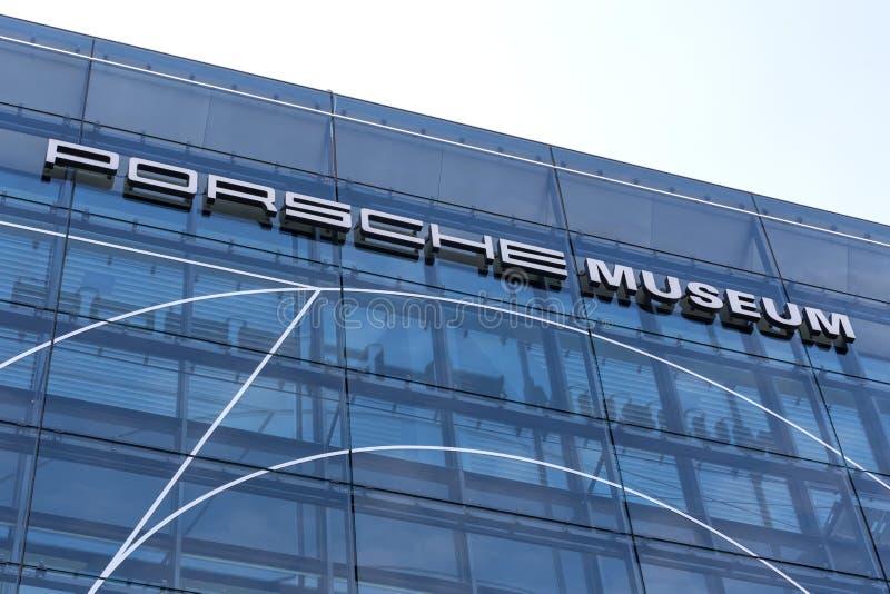 Stuttgart Baden-Wurttemberg, Germany,/- 21 08 18: porsche samochodowy muzealny Stuttgart Germany obraz stock