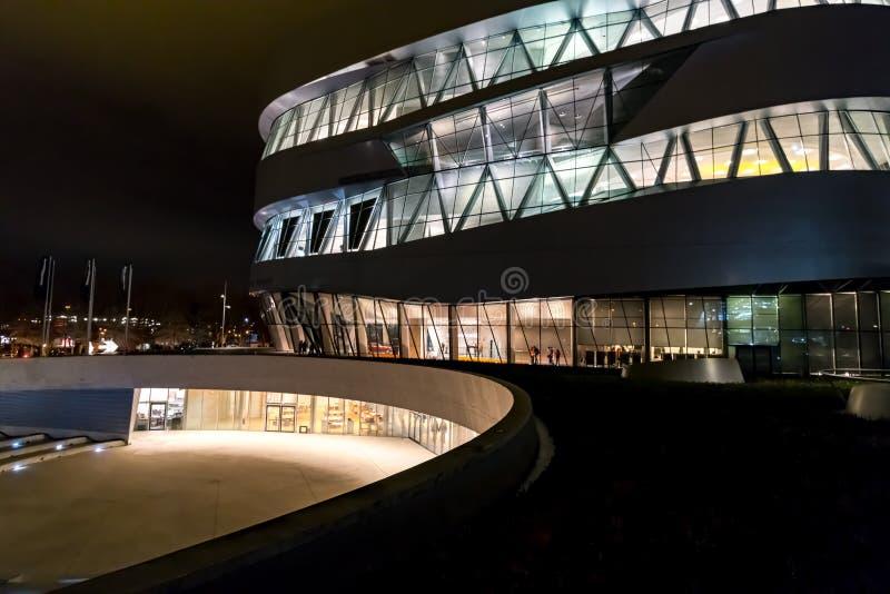 Stuttgart, Germania - 7 gennaio 2018, Mercedes Benz Museu fotografia stock libera da diritti