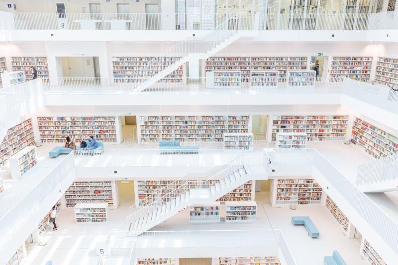 Stuttgart Niemcy, Kwiecień, - 5, 2018: Wnętrze nowy społeczeństwo l zdjęcie royalty free