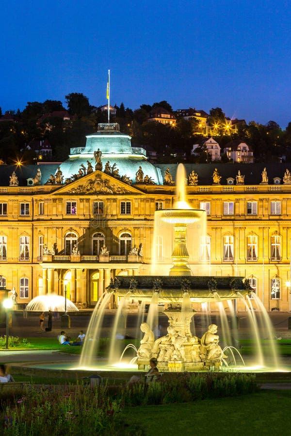 Stuttgart-Stadtzentrum, Deutschland an der Dämmerung lizenzfreie stockfotografie
