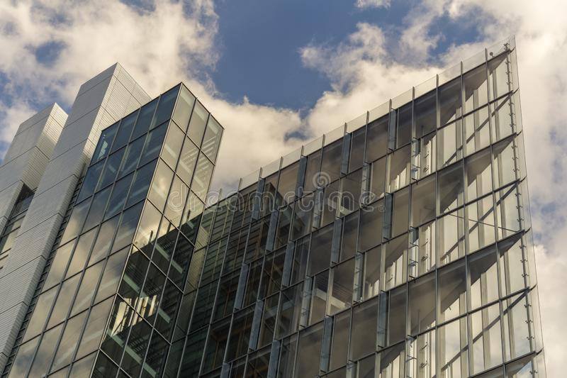 STUTTGART TYSKLAND - JULI 06,2018: Det Europa området detta är en ny modern kontorsbyggnad av LBBWEN, en av södra Tyskland som är royaltyfri bild