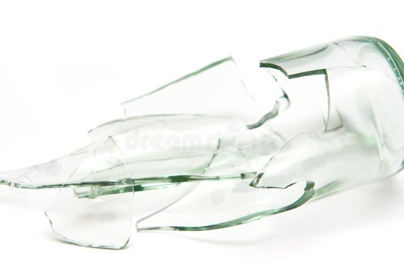 Stycken av brutet flaskexponeringsglas arkivbild