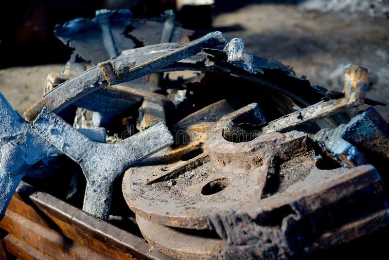 Stycken av järn arkivfoton