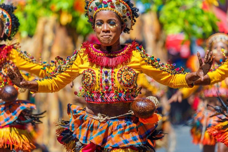 Styczeń 24th 2016 Iloilo, Filipiny Festiwal Dinagyang Unid obraz royalty free
