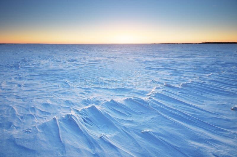 Download Styczeń 33c Krajobrazu Rosji Zima Ural Temperatury Zdjęcie Stock - Obraz złożonej z jezioro, chłód: 57658482