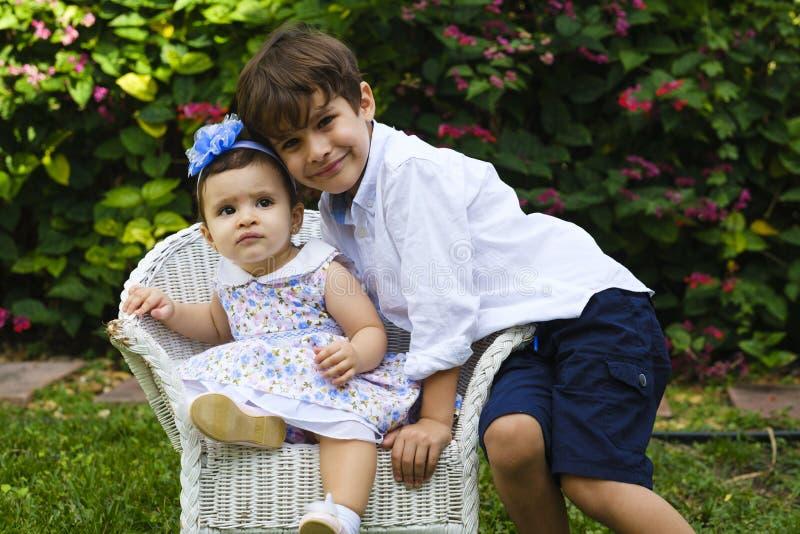 Styl życia brata i siostry zdjęcia royalty free