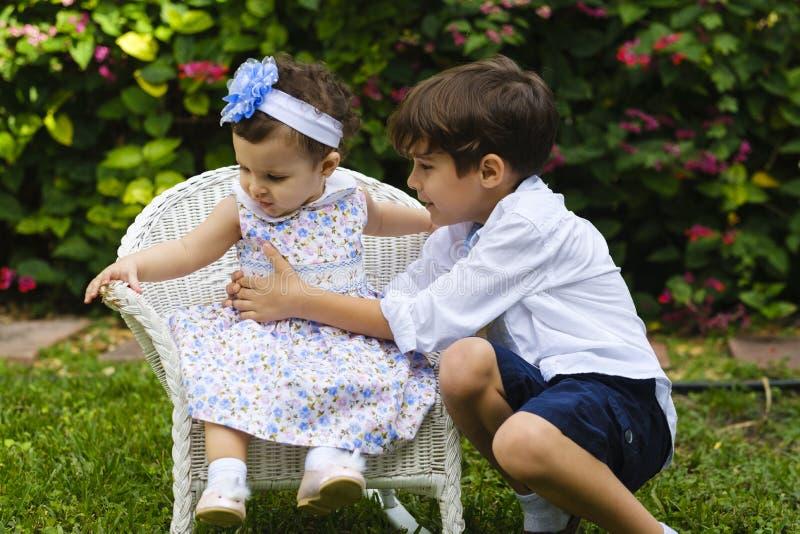 Styl życia brata i siostry obraz stock