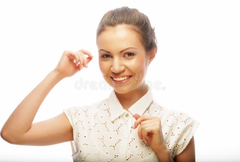 Styl życia, piękno i ludzie pojęć: młoda kobieta z czystym sk zdjęcie stock