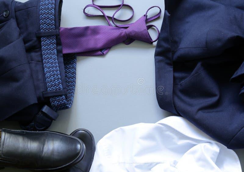 Style classique - chaussures, chemise, lien image libre de droits