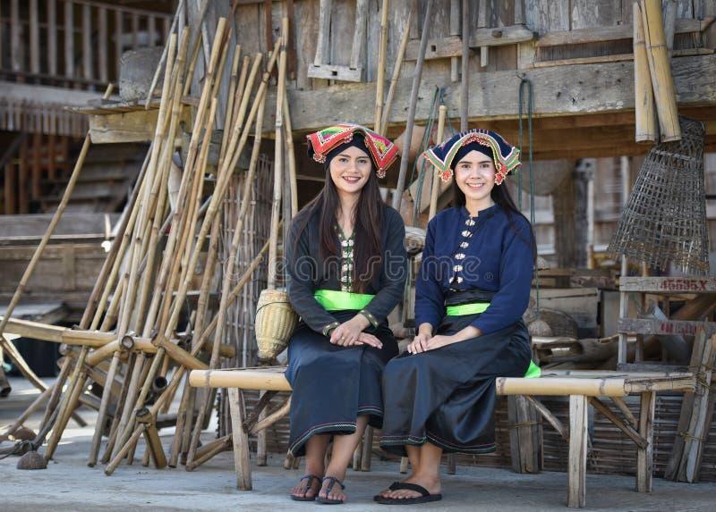 style d'Asiatique de filles de sourire images libres de droits