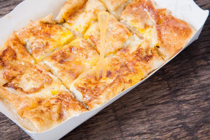 Style de dessert de Roti frit avec la banane images libres de droits