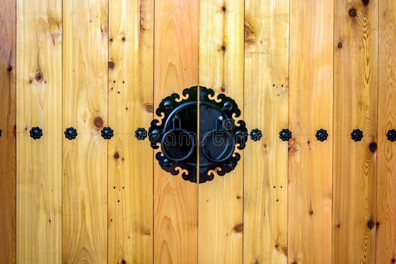 Style en bois de Coréen de porte photo stock
