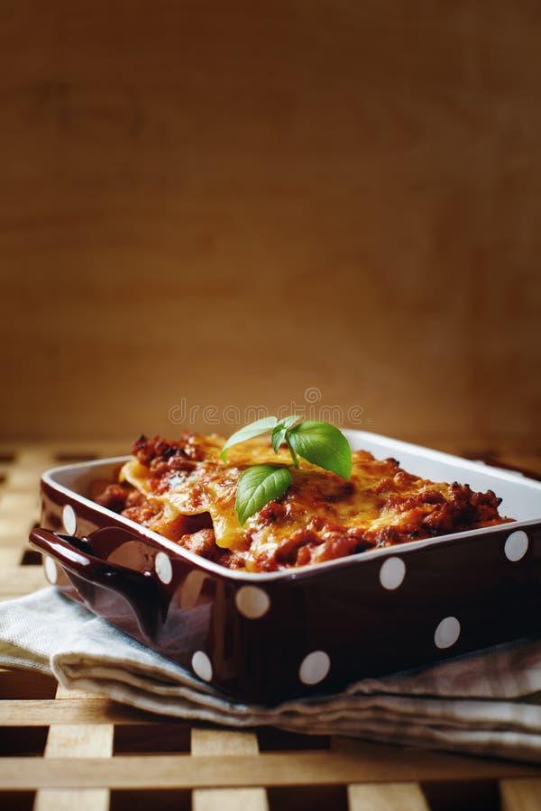 Style italien de nourriture Plat de lasagne images libres de droits