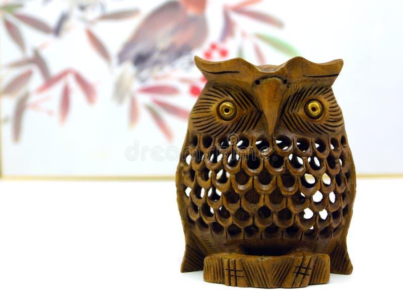 Style japonais de fond en bois fait main de hibou photographie stock libre de droits