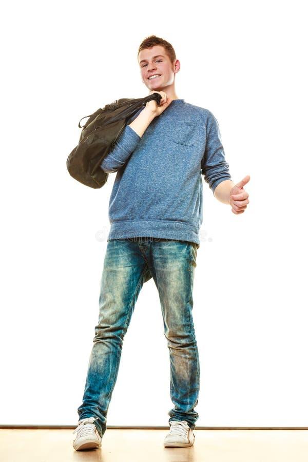 Style occasionnel de jeune homme avec le sac d'isolement images libres de droits