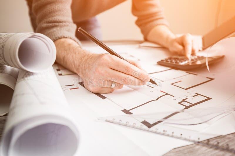 Stylique de modèle de projet de dessin d'architecture d'architecte photos libres de droits