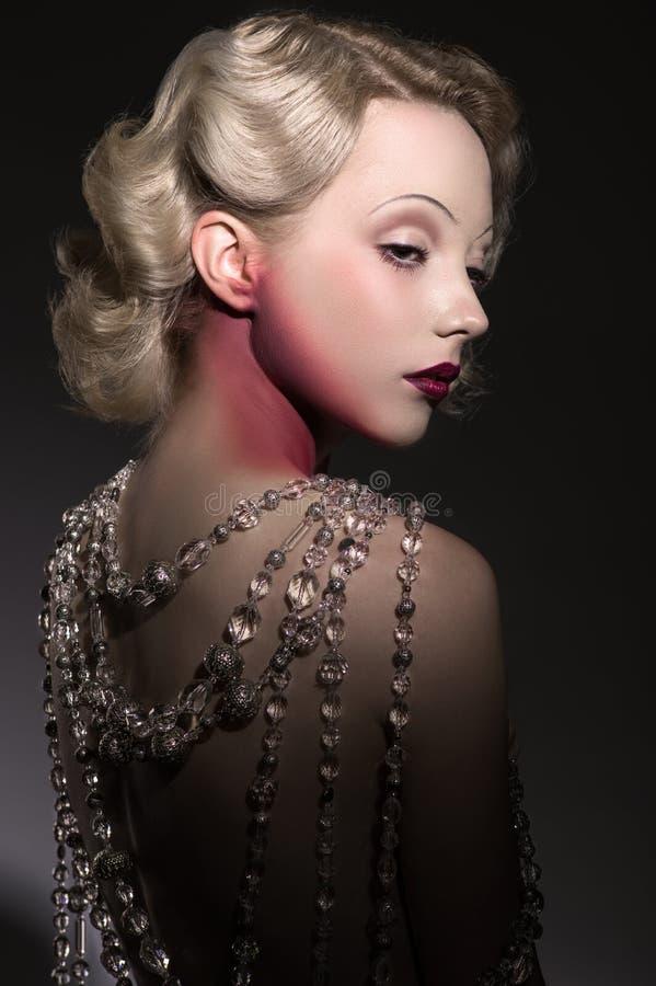 Stylizowany portret młoda piękna kobieta zdjęcie royalty free