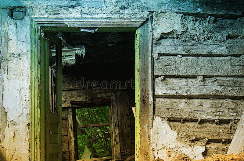 Stylizowany wizerunek drzwi zaniechana buda zdjęcie stock