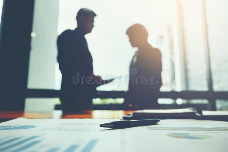 Stylo sur le papier d'affaires, concept de réunion d'affaires photo stock