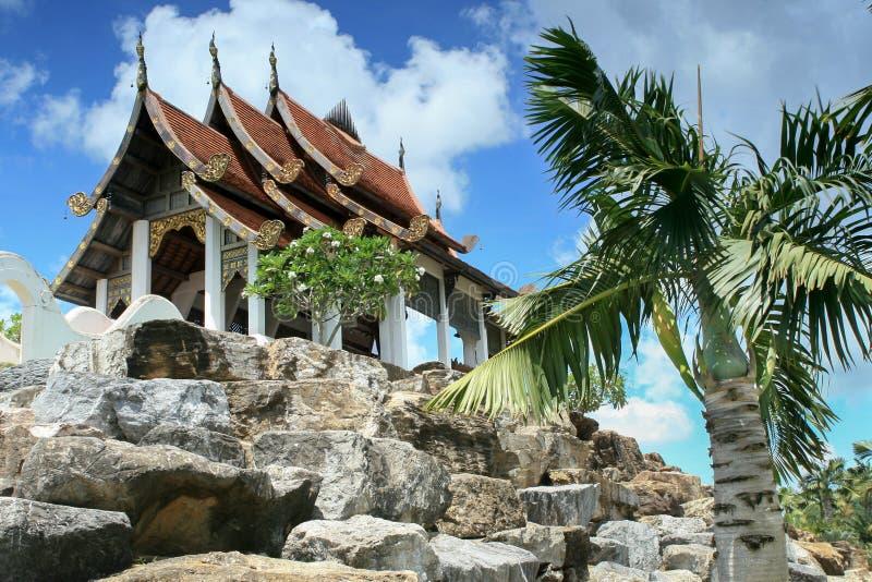 Stylu ogród, Chińska pagoda, kamienna elewacja, uprawia ogródek w Tajlandia fotografia stock
