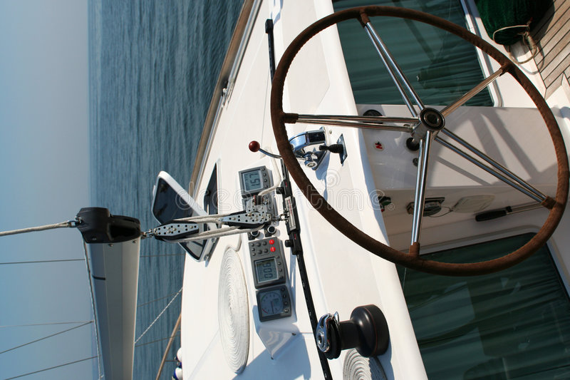 styrande yacht arkivfoto