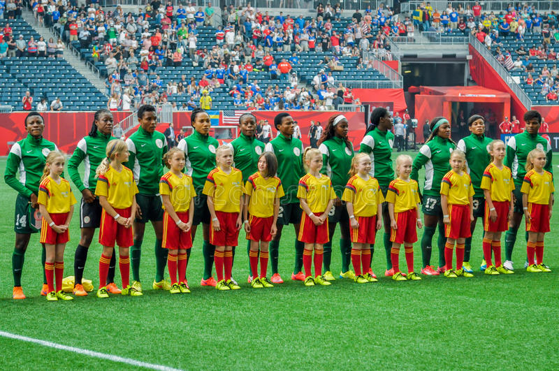 Suécia contra equipas nacionais de Nigéria Campeonato do mundo de FIFA Women's imagens de stock
