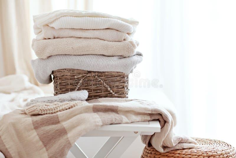 Suéteres acogedores imagenes de archivo