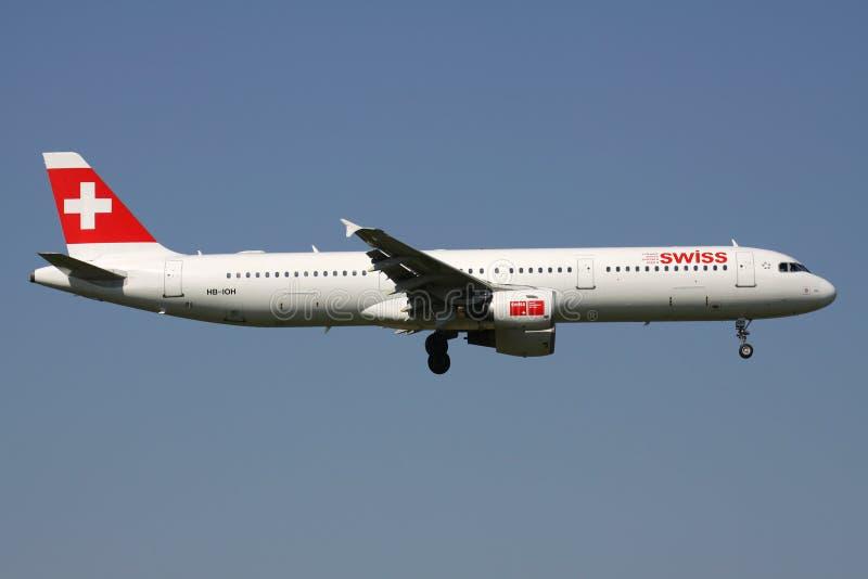 Suíço Airbus A321-100 imagens de stock royalty free
