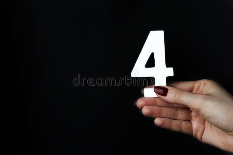 Su figura femminile quattro delle palme immagine stock libera da diritti