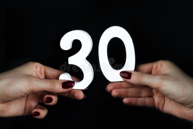 Su figura femminile trenta delle palme fotografie stock libere da diritti