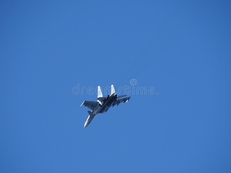 Su-34 sem carga de combate Voo de formação fotos de stock