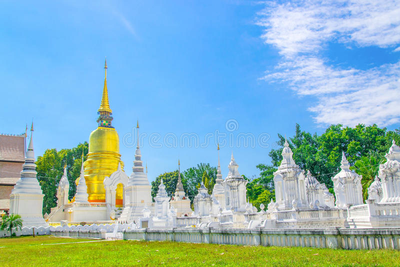 Suan Dok Tempel stockfotos
