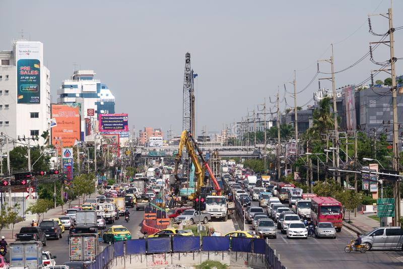 Suan Luang,泰国- 2018年11月06日:公共交通系统工程项目天空火车 库存图片