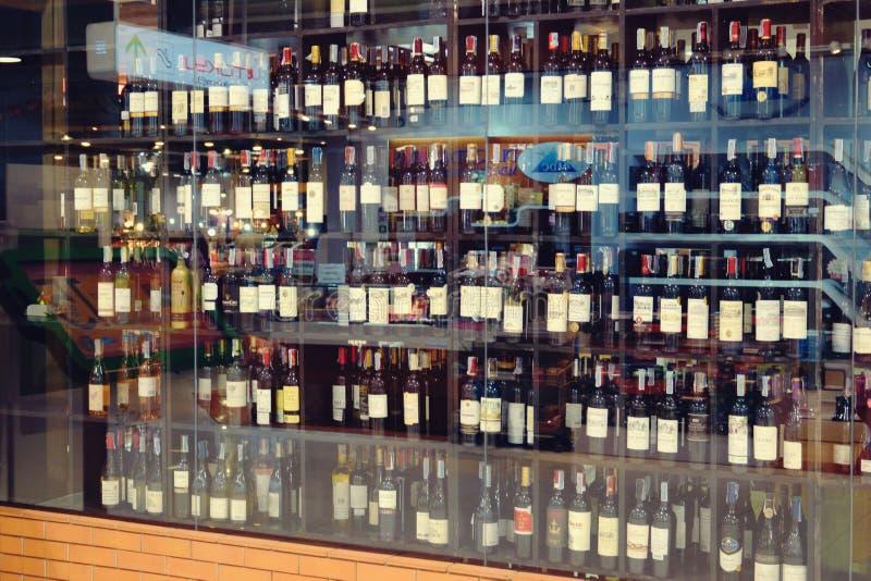 Suan luang Thailand 17 2018 Listopad alkoholiczny sklep obrazy stock