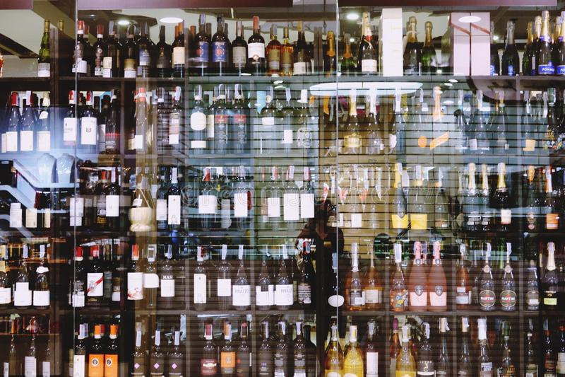 Suan luang Thailand 17 november 2018 alkoholiserat lager royaltyfria foton