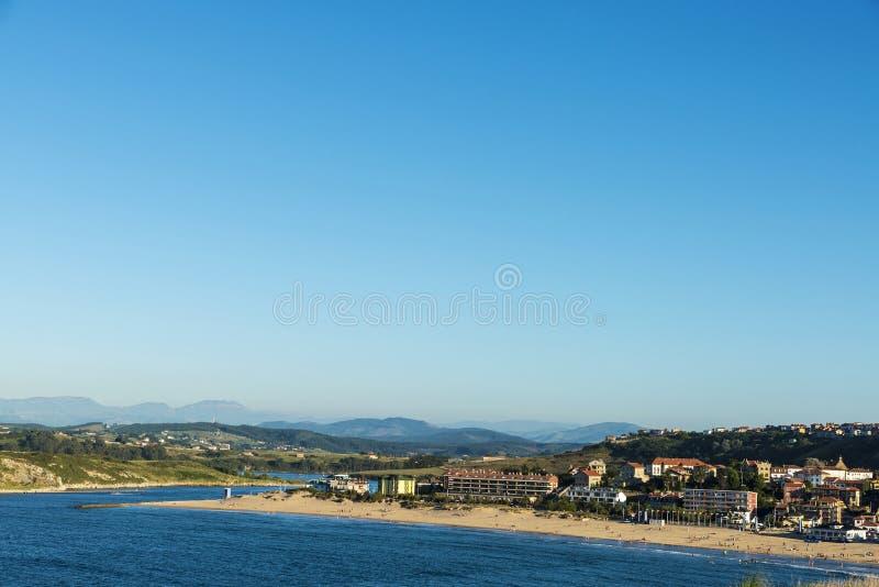 Suances plaża w Atlantyckim oceanie, Hiszpania zdjęcia royalty free