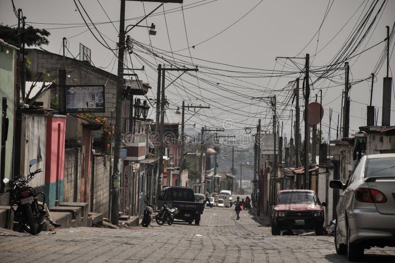 Subúrbios da Cidade da Guatemala que caracterizam uma devastaçã0 mas o harmônico foto de stock
