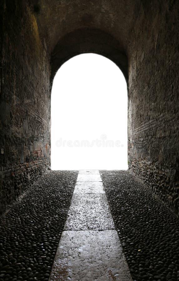 suba al extremo del túnel y de la luz del futuro eso imagen de archivo