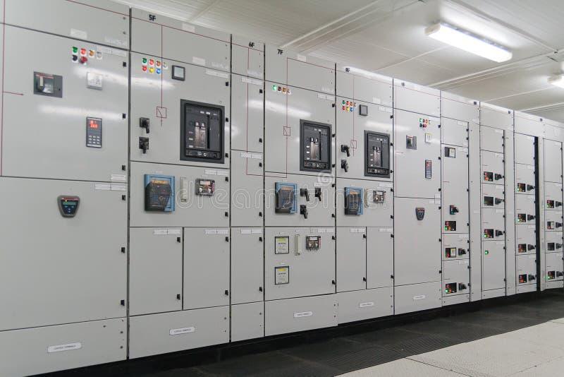 Subestação da distribuição da energia elétrica foto de stock