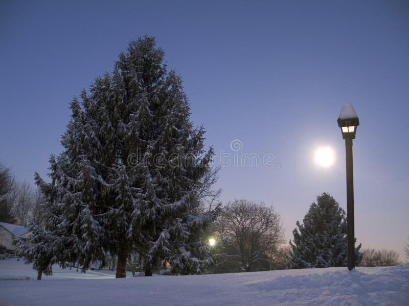 Subida De La Luna En El Amanecer Imágenes de archivo libres de regalías