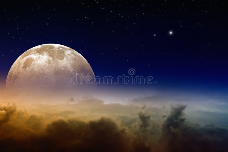 Subida de la Luna Llena imágenes de archivo libres de regalías