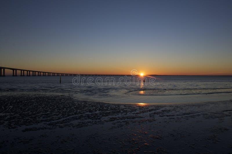 Subida de Sun del invierno fotografía de archivo